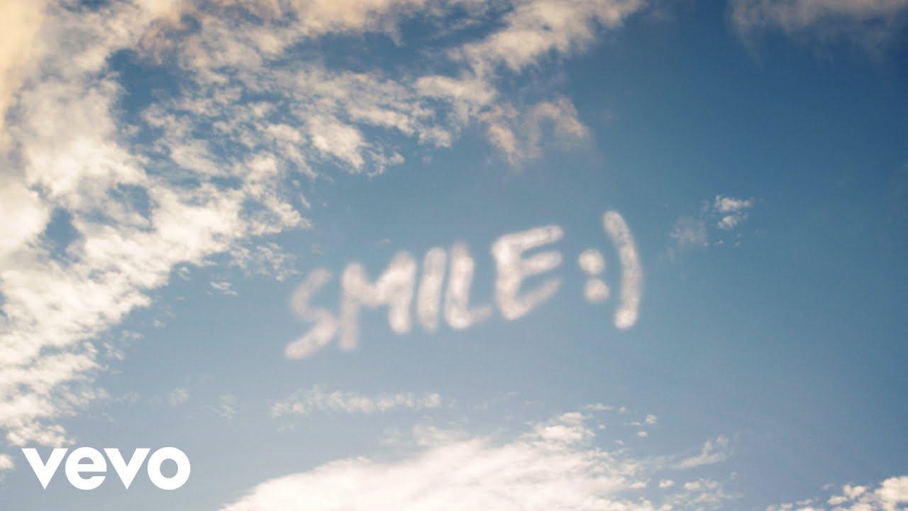 WizKid ft. H.E.R. - Smile (Official Video)